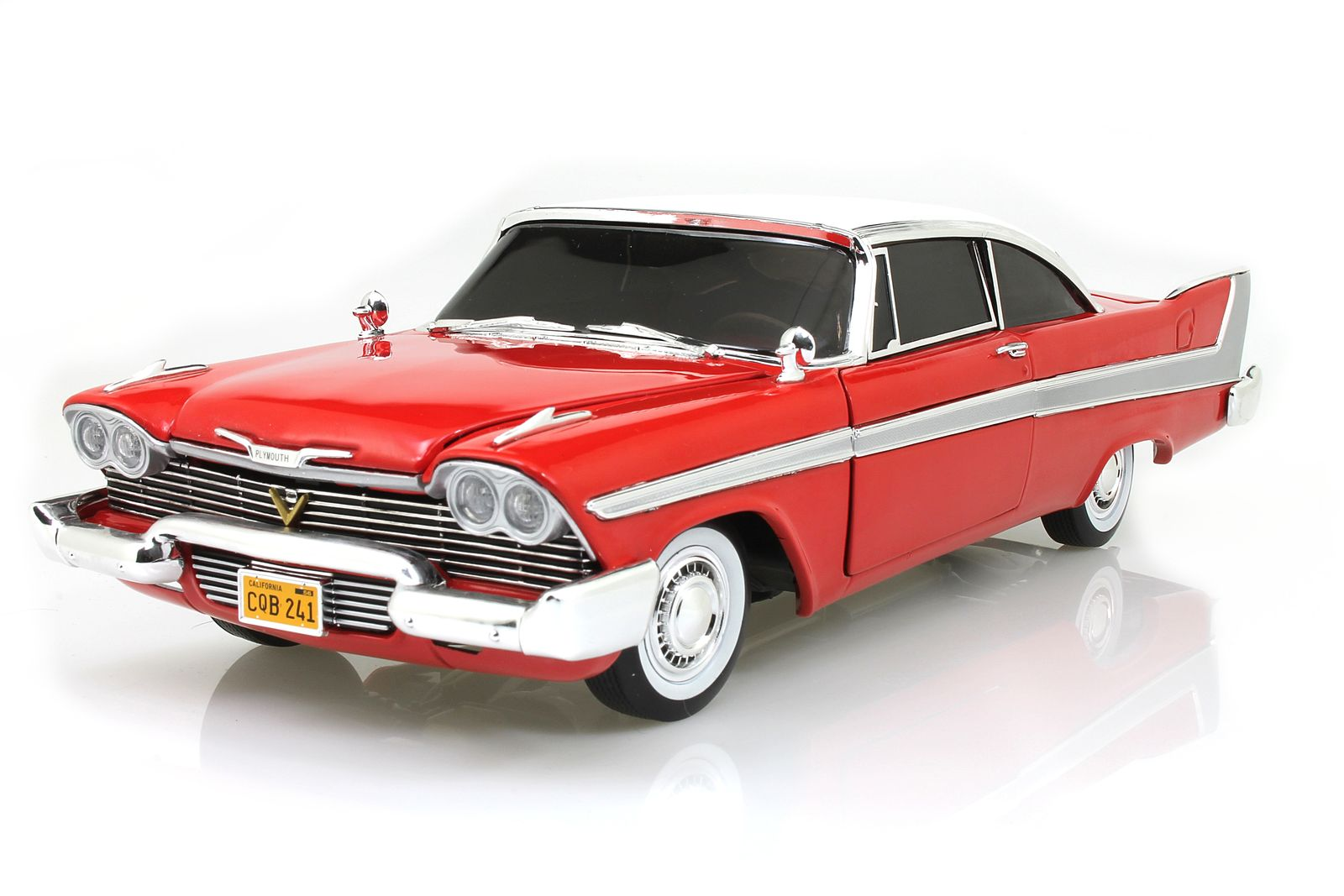auto world 1 18 plymouth fury christine 1958 rot wei mit. Black Bedroom Furniture Sets. Home Design Ideas
