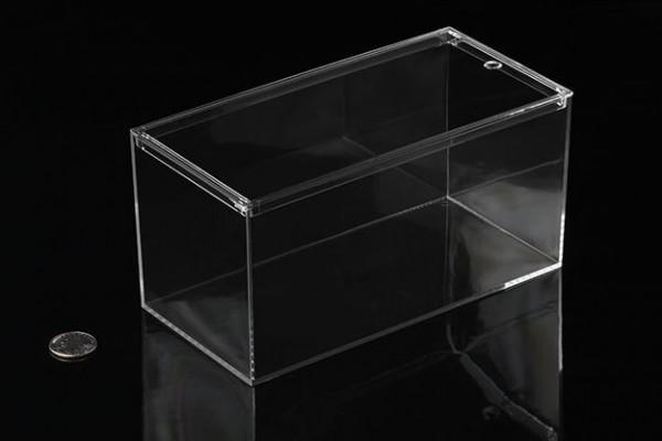 Eckige Kunststoffbox mit einfachem Deckel, 20cm x 9,5cm x 9,5cm